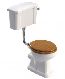 Westbury Traditional Low level Close Coupled Toilet & Oak MDF Soft Close Seat